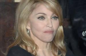 Madonna : Fini le look roots... Pour le Malawi elle a sorti la tenue chic et pas choc !