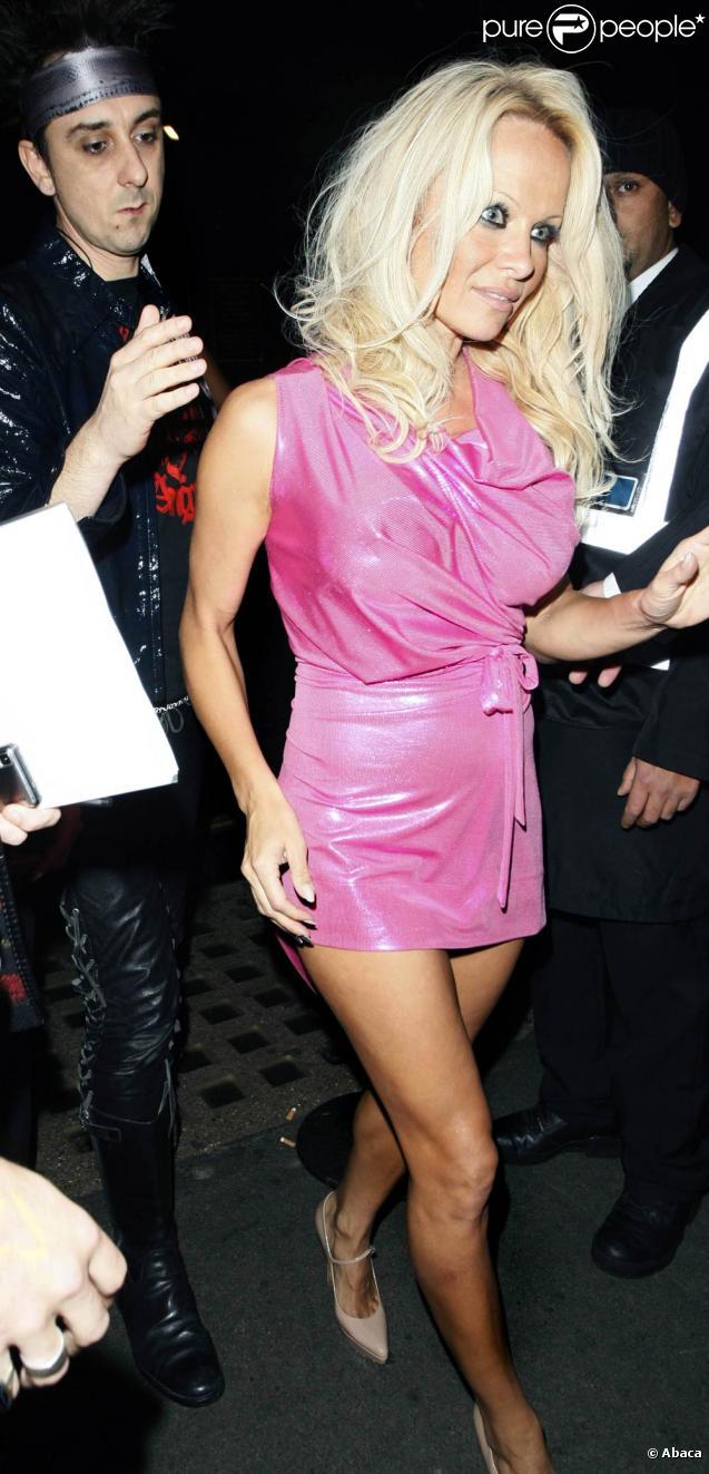 Pamela Anderson à Londres, le 27 octobre 2009