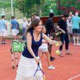 Exclusif - Elsa Esnoult joue avec des enfants malades pour l'association Enfant Star & Match au tennis Club la Roseraie à Antibe. Le 8 juillet 2017. © JLPPA/Bestimage