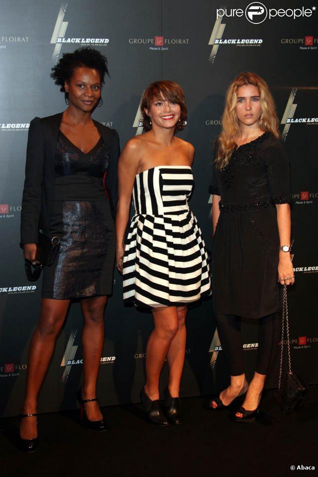 Gladys Gambie, Emma de Caunes et Vahina Giocante, à l'occasion de l'ouverture du bar lounge Black Legend, à Monte Carlo, le 29 octobre 2009.