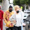 Exclusif - Jason Derulo et sa compagne Jena Frumes sont allés acheter leur déjeuner à emporter à Los Angeles, le 25 janvier 2021.