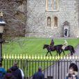 La reine Elisabeth II d'Angleterre se promène à dos de poney dans le parc de Windsor. Le 14 décembre 2020