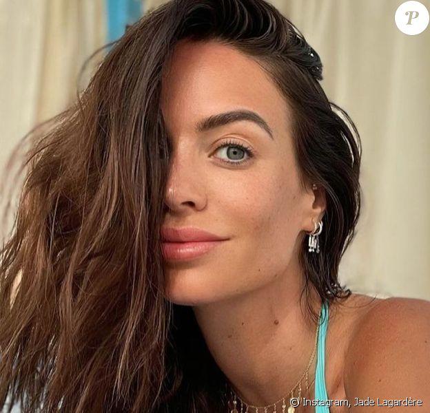 Jade Lagardère est impliquée dans une affaire de trafic de permis de conduire.