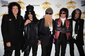 Queen, AC/DC, Rolling Stones, Iggy Pop... L'incroyable photo de famille des légendes du rock !