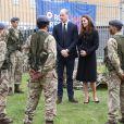 Le prince William, duc de Cambridge et Kate Middleton, duchesse de Cambridge, visitent le centre RAF Air Cadets à Londres, le 21 avril 2021, quelques jours après les obsèques du Prince Philip.