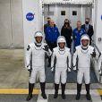 Megan McArthur, Shane Kimbrough, Thomas Pesquet et Akihiko Hoshide au Kennedy Space Center, en Floride, le 23 avril 2021, avant leur départ à bord de leur vaisseau SpaceX pour ISS.