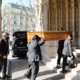 Arrivées aux obsèques de Yves Rénier en l'église Saint-Pierre de Neuilly-sur-Seine. Le 30 avril 2021
