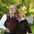 Eddy Mitchell et Marie-Anne Chazel dans la série  Au siècle de Maupassant : Contes et nouvelles du XIXe siècle .