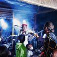 Joakim Noah assiste à un concert de son père Yannick Noah au Zacharie Noah Country Club à Yaoundé. Juin 2021.