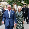 Le prince Charles, le prince de Galles et Camilla Parker Bowles, duchesse de Cornouailles, lors d'une visite dans le quartier de Clapham à Londres, Royaume Uni, le 27 mai 2021.