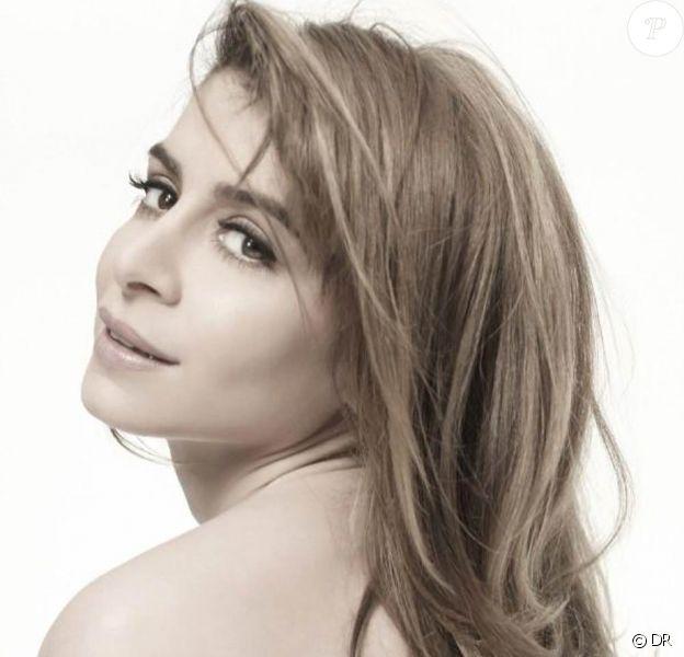 Julie Zenatti rend hommage à la Callas et fait une incursion dans le registre lyrique...