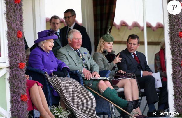 """La reine Elisabeth II d'Angleterre, le prince Charles, Autumn Phillips et son mari Peter Phillips lors du """"Braemar Highland Gathering"""" en Ecosse. Le 7 septembre 2019"""