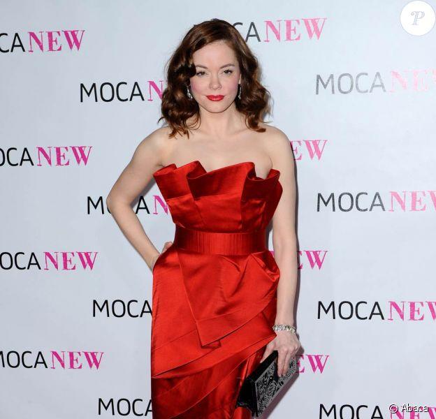 La sexy Rose McGowan, à l'occasion du 30e anniversaire du MOCA (le Musée d'Art contemporain), qui s'est tenu à Los Nageles, le 14 novembre 2009.
