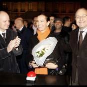 Carole Bouquet, superbe, illumine... son quartier fétiche à Paris !