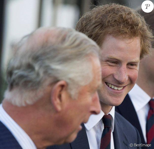 Le prince Harry, entouré du prince William, du prince Charles et de Camilla Parker Bowles, duchesse de Cornouailles, a assisté à la cérémonie d'ouverture des Invictus Games au stade olympique de Londres.