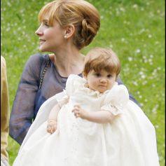 Baptême de la princesse Luisa de Savoie avec sa mère, l'actrice Clotilde Courau, à Gstaad (en Suisse) en 2007.