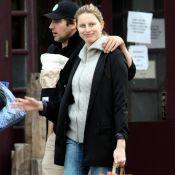 Karolina Kurkova : Première sortie avec bébé et son fiancé... elle n'est pas pressée de reprendre le boulot !