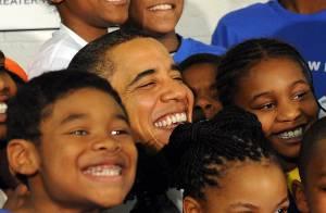 Barack Obama se lâche : il redevient un enfant et prouve encore qu'il est... cool !