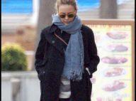 Kylie Minogue profite de la côte espagnole.... Son chéri, lui, reste au chaud !
