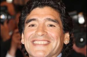 Maradona : Le fisc vend aux enchères... ses boucles d'oreilles !!! Vendu ! (réactualisé)