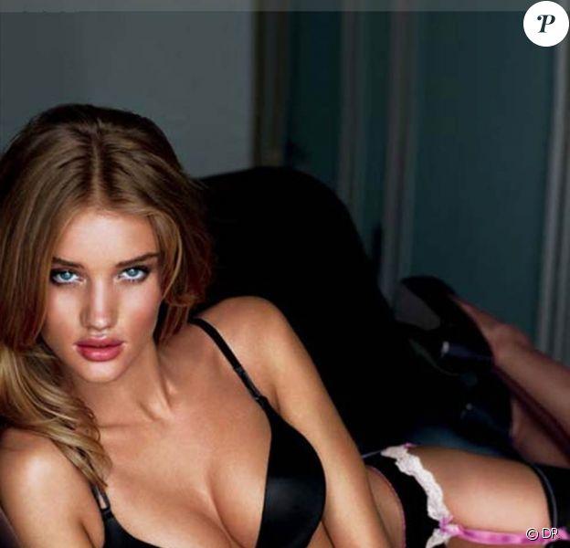 La belle Rosie Huntington-Whiteley pour Victoria's Secret...