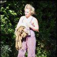 Hilary Duff :  Voici une starlette qui n'a pas peur du qu'en dira-t-on ! Pas de style pointilleux, ni de it-bag ou chaussures tendances, le matin c'est le matin, pas d'effort possible !