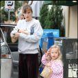 Jennifer Garner : La ravissante femme de Ben Afflek, n'est pas vraiment, et même pas du tout une fashionista... Et elle conduit sa fille sur la même voix (heureusement qu'elle est trop chou la petite Violet !). Sa came c'est les joggings !