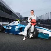 Michael Schumacher : Après le rouge Ferrari, c'est en bleu qu'il pilote !