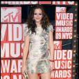 Leighton toute pimpante aux MTV Video Music Awards dans une robe à sequins Christian Cota et des chaussures Giuseppe Zanotti, le 13 septembre 2009
