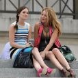 Leighton (alias Blair Waldorf) et sa grande copine Blake Lively (alias Serena Van Der Woodsen) en pleine tournage sous le soleil new-yorkais !