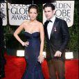 Le bad boy Colin Farrell semble tout assgie avec sa chérie Alijca Bachleda à la remise des Golden Globes à Los Angeles, le 17 janvier 2010 !
