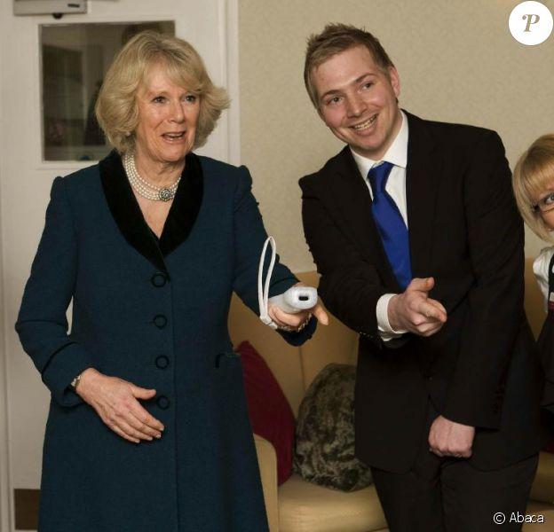 Camilla Parker Bowles rend visite aux résidents d'une maison de retraite. 27/01/2010