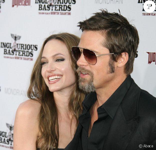 Brad Pitt et Angelina Jolie amoureux !