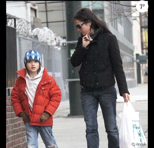 Jennifer Connelly en compagnie de ses garçons Kai et Stellan à New York