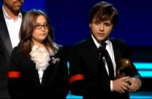 Grammy Awards : Regardez l'hommage bouleversant des enfants de Michael Jackson et Céline Dion, Usher... chanter pour lui !