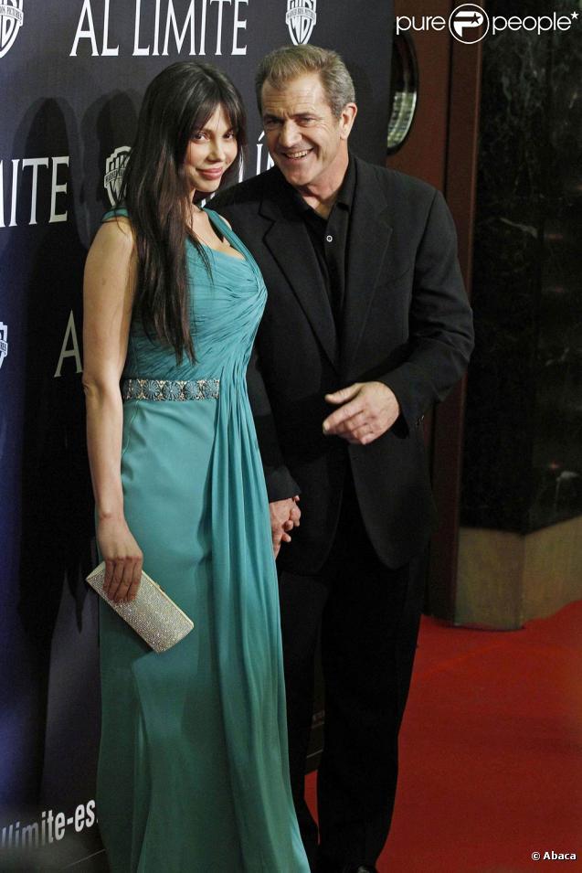 Mel Gibson et Oksana Grigorieva, à l'occasion de l'avant-première de  Hors de Contrôle , au Palafox Cinema de Madrid, en Espagne, le 1er février 2010.