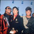 We are the world a été réenregistrée au profit de Haïti en 2010 pour le 25e anniversaire de sa création (photo : Lionel Richie, Quincy Jones, Michael Jackson en 1985)