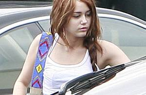 Miley Cyrus : à moitié endormie, elle hante les rues de Los Angeles... en jogging !