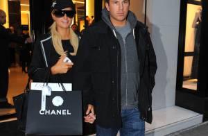 Paris Hilton : Pour la Saint-Valentin, elle a décidé de s'attaquer... aux boutiques parisiennes !
