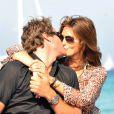 """Cindy Crawford et Rande Gerber obtiennent de loin la palme du """"baiser le plus... top"""" !"""