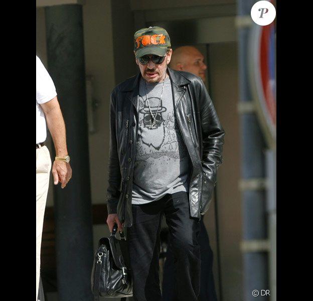Johnny Hallyday arrive à Saint-Barthélémy, le 13/02/2010