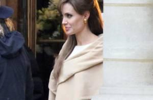 Angelina Jolie et Brad Pitt : Baiser langoureux en plein Paris... et ce n'est pas du cinéma !