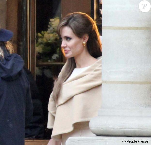 Angelina Jolie en plein tournage de The Tourist à Paris le 23 février 2010