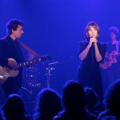 Regardez Judith Godrèche chanter sur la musique... de Julien Doré !