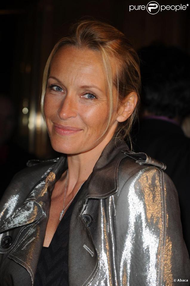 Estelle Lefébure à la soirée Vogue le 4 mars à l'Hôtel de Crillon.