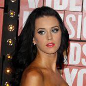 Katy Perry va devenir toute bleue... avec un bonnet blanc !