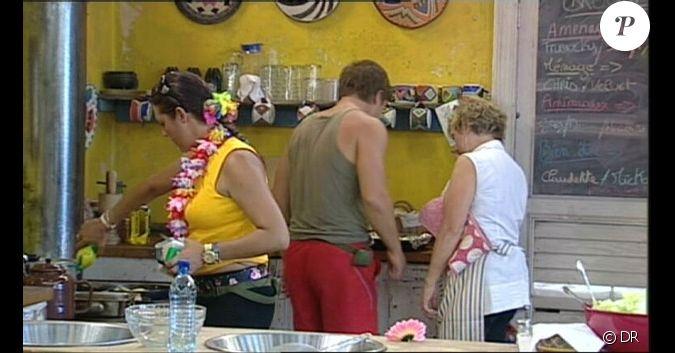 Comme pr vu vendetta aide claudette en cuisine for Cuisine by claudette