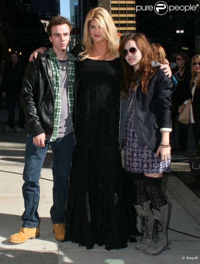 Kirstie Alley et ses enfants arrivent chez David Letterman, à New York, le 16 mars 2010 !
