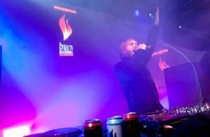 Regardez David Guetta dans une démonstration brûlante... par -15°C ! Mais quel est son secret ?
