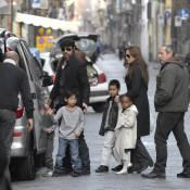 Brad Pitt et Angelina Jolie : Ils jouent encore les touristes avec leurs adorables enfants !